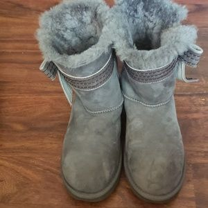 UGGS JOSETTE BOW BOOTS SIZE 10